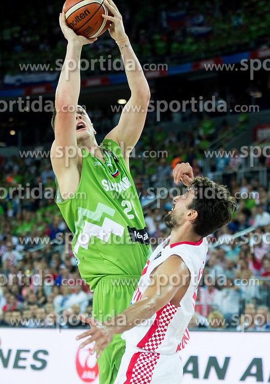 Jaka Blazic of Slovenia vs Roko Leni Ukic of Croatia during basketball match between Croatia and Slovenia at Day 1 in Group C of FIBA Europe Eurobasket 2015, on September 5, 2015, in Arena Zagreb, Croatia. Photo by Vid Ponikvar / Sportida