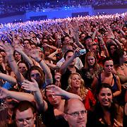 NLD/Rotterdam/20110422 - Concert Single's Only van Kane, publiek