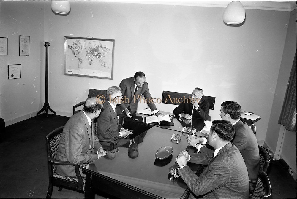 12/07/1967<br /> 07/12/1967<br /> 12 July 1967<br /> Signing of agreement with Spanish group at Unidare cable factory, Finglas, Dublin.