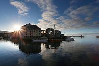 ÅLESUND 20130224. <br /> Lav sol og blå himmel over Brosundet i Ålesund.<br /> Foto: Svein Ove Ekornesvåg