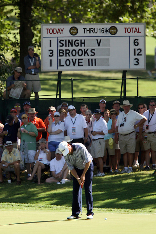 10 August 2007: Davis Love III putts on the 17th green during the second round of the 89th PGA Championship at Southern Hills Country Club in Tulsa, OK.