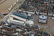 Nederland, Limburg, Maastricht, 15-11-2010;.Winkelgebied Mosae Forum en het stadhuis op de Markt in het centrum van Maastricht met Maas en het begin van de Wilhelminabrug..luchtfoto (toeslag), aerial photo (additional fee required).foto/photo Siebe Swart