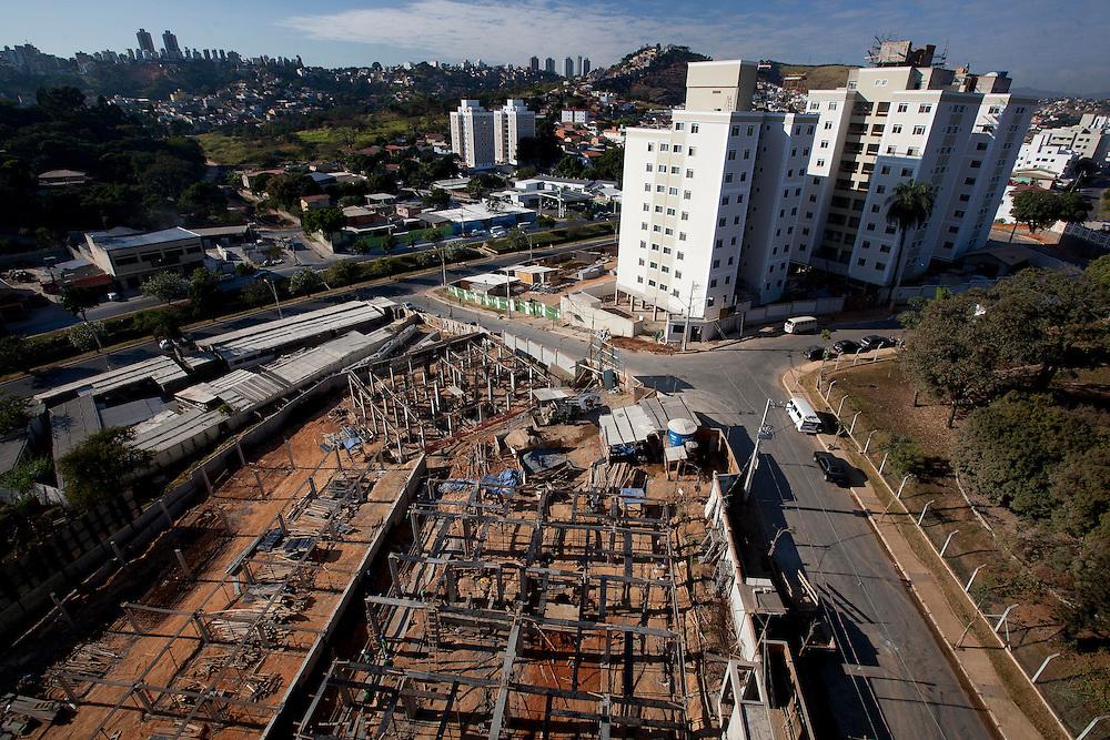 Belo Horizonte_MG, Brasil...Construcao civil no bairro Castelo em Belo Horizonte, Minas Gerais..Civil construction in Castelo neighborhood in Belo Horizonte, Minas Gerais...Foto: BRUNO MAGALHAES / NITRO