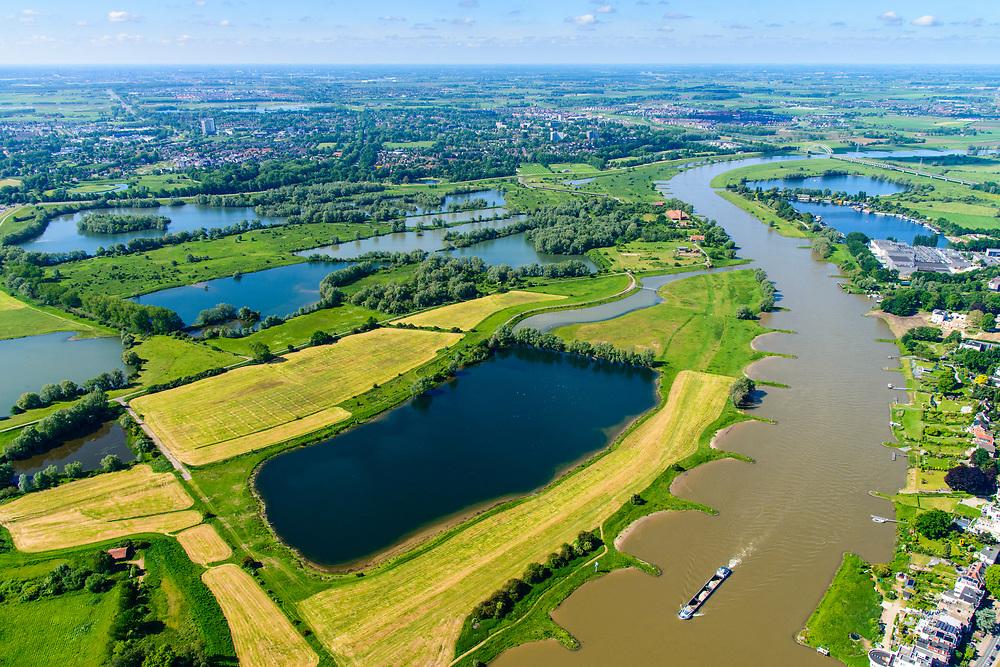 Nederland, Gelderland, Arnhem, 29-05-2019; Nederrijn met uiterwaardenpark Meinerswijk. In de voorgrond Plas van Bruil. De uiterwaarden zijn in het kader van het programma Ruimte voor de Rivier gedeeeltelijk afgegraven<br /> View of floodplains and polder Meinerswijk.<br /> <br /> luchtfoto (toeslag op standard tarieven);<br /> aerial photo (additional fee required);<br /> copyright foto/photo Siebe Swart