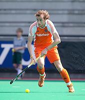 ROTTERDAM - HOCKEY -  Quirijn Caspers tijdens de oefenwedstrijd tussen de mannen van Nederland en Engeland (2-1) . FOTO KOEN SUYK