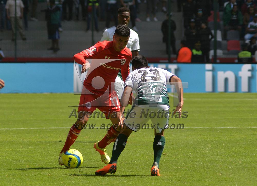 Toluca, México (Febrero 18, 2018).- Leonel López de los Diablos Rojos del Toluca vencieron a Santos Laguna con un marcador final 2-0 en el partido de la jornada 8 del Torneo Clausura 2018, en el estadio Nemesio Diez.  Agencia MVT / Crisanta Espinosa.