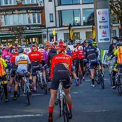 25-04-2021: Wielrennen: Luik Bastenaken Luik (Vrouwen): Luik<br />Peloton voor de start