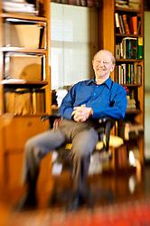Retrato do médico e escritor ga;ucho, Moacyr Scliar em sua residência. FOTO: Jefferson Bernardes / Preview.com