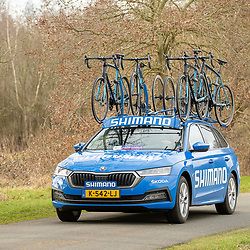 12-03-2021: Wielrennen: Healthy Ageing Tour: Wijster <br />Shimano Neutral Service Car