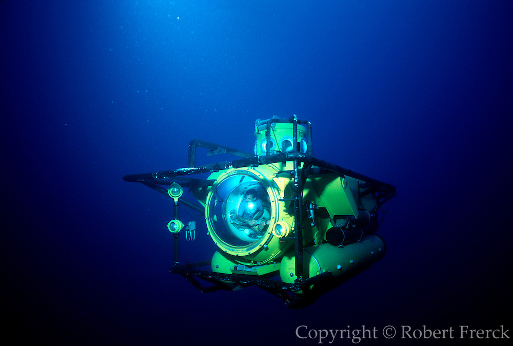 UNDERWATER MARINE LIFE CARIBBEAN, Grand Cayman Research submersible a three-person submarine for dives up to 800' deep