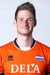 20150506 NED: Selectie Nederlands volleybal team mannen, Arnhem<br />Op Papendal werd het Nederlands team volleybal seizoen 2015-2016 gepresenteerd / Floris van Rekom<br />©2015-FotoHoogendoorn.nl / Pim Waslander