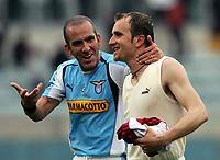 Fotball<br /> Serie A Italia 2004/05<br /> Lazio v Livorno<br /> 10. april 2005<br /> Foto: Digitalsport<br /> NORWAY ONLY<br /> Paolo Di Canio Lazio e Roberto Rocchi Lazio