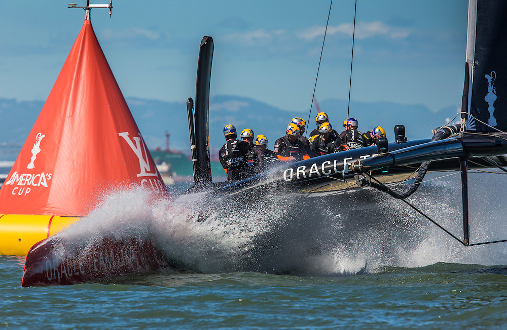 Race 16<br /> <br /> ORACLE Team USA<br /> At the finish line<br /> 2013 America's Cup