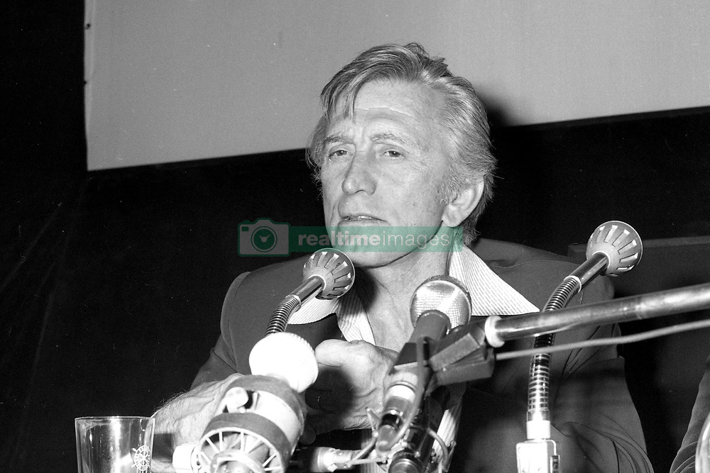 Files - Kirk Douglas attending the 4th Deauville Film Festival in Deauville, France on September 1978. Photo by APS MEdias/ABACAPRESS.COM