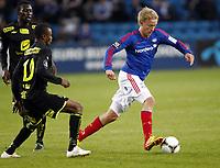 Fotball , 25. mars 2012 , Tippeligaen , Eliteserien , Vålerenga - Haugesund 21-1<br /> Håvard Nielsen , Vålerenga<br /> Umaru Bangura , Hønefoss