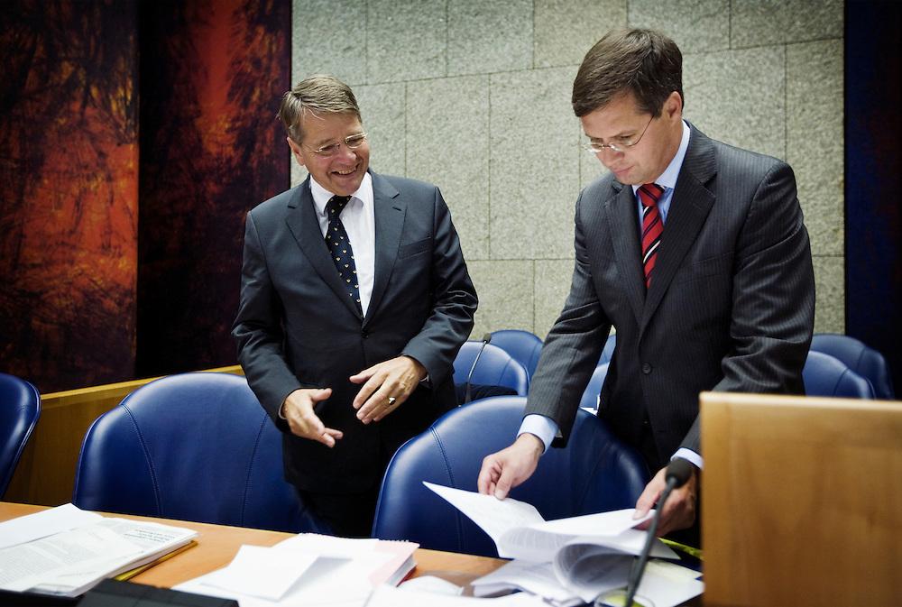 Nederland. Den Haag, 18 september 2008.<br /> Algemene beschouwingen in de tweede kamer.<br /> Balkenende en Donner voor aanvang<br /> Foto Martijn Beekman<br /> NIET VOOR PUBLIKATIE IN LANDELIJKE DAGBLADEN.