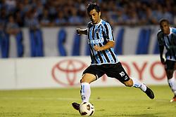 Douglas na partida contra o Oriente Petrolero válida pela Copa Libertadores da América 2011, no estádio Olimpico, em Porto Alegre. FOTO: Jefferson Bernardes/Preview.com