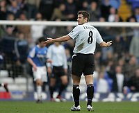 Photo: Lee Earle.<br /> Birmingham City v Chelsea. The Barclays Premiership. 01/04/2006. Chelsea's Frank Lampard looks dejected as Chelsea fail to score.