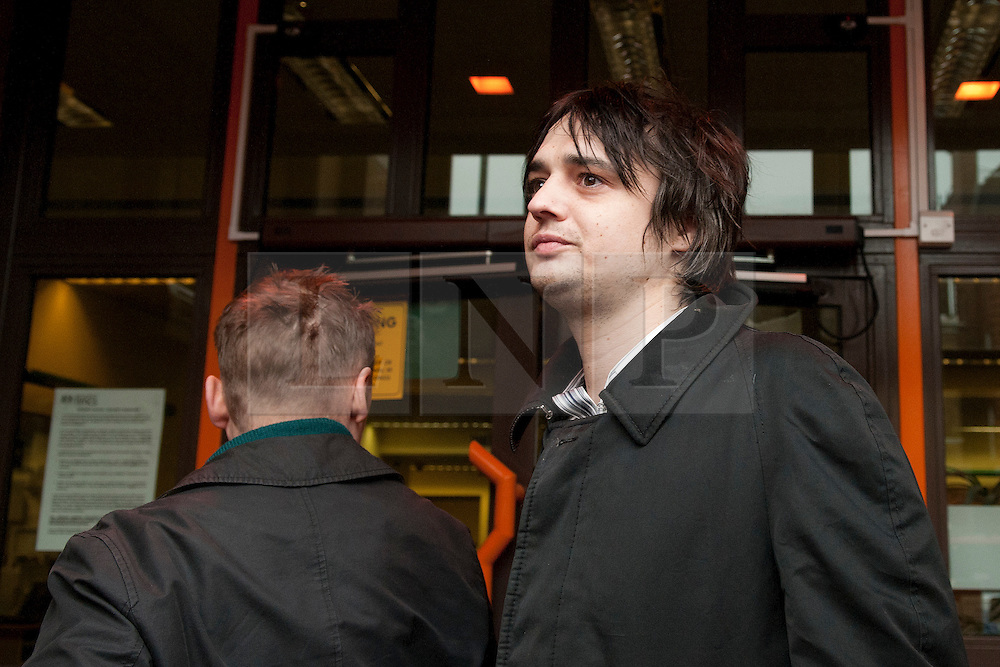 © under license to London News Pictures. 02/02/2011. Rockstar Pete Doherty arrives at Thames Magistrates' Court in London to face chrages on possesion of cocaine, after an overdose involving heiress Robin Whitehead. Credit should read Michael Graae/London News Pictures