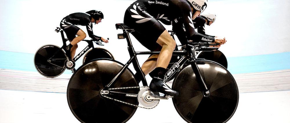 The Netherlands, Apeldoorn, 24-03-2011.<br /> Cycling, Track, World championships, <br /> Team pursuit, Women.<br /> The squad of New Zealand wins the bronze medal.<br /> Photo : Klaas Jan van der Weij