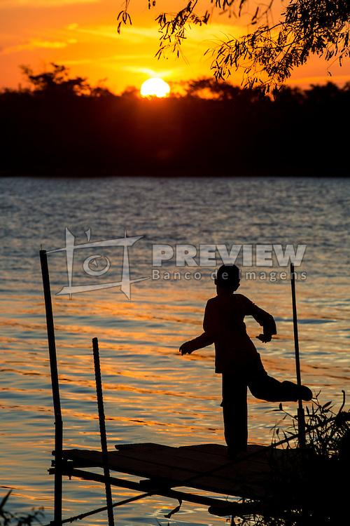 Praia da Paquetá é uma praia do município de Canoas, no estado do Rio Grande do Sul, no Brasil. Recuperada da poluição das águas do rio Gravataí, é um local, no entanto, ainda impróprio para o banho. Em 1890, a praia era um ponto de veraneio, mas começou a ficar poluída em 1950, com o aumento da população. A prefeitura e o governo do Rio Grande do Sul fazem peridiodicamente a limpeza do local. É uns dos poucos lugares que preservam a vegetação original da cidade. FOTO: André Feltes/ Agência Preview