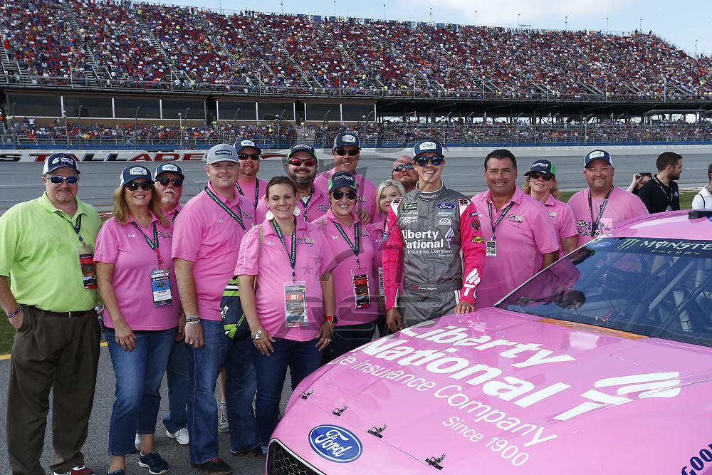 October 15, 2017 - Talladega, Alabama, USA: The Monster Energy NASCAR Cup Series teams take to the track for the Alabama 500 at Talladega Superspeedway in Talladega, Alabama.