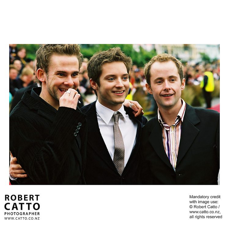 Dominic Monaghan;Elijah Wood;Billy Boyd at the Lord Of The Rings: Fellowship Of The Ring Premiere at the Embassy Theatre, Wellington, New Zealand.<br />