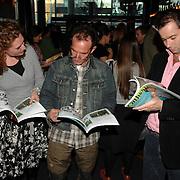 NLD/Amsterdam/20070315 - Lancering nieuw blad Catherine van Catherine Keyl, Rob Verlinden en Peter van der Vorst nemen het blad door