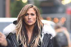 Hustlers filming with Jennifer Lopez - 30 Mar 2019