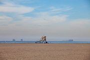 Beach closures on Huntington State Beach. An estimated 127,000 gallons of crude oil leaked from an oil derrick pipeline in the Catalina Channel. The oil spread to nearby Huntington Beach beaches and wetlands, and quickly prompted cleanup crews to the scene. Orange County, California, USA