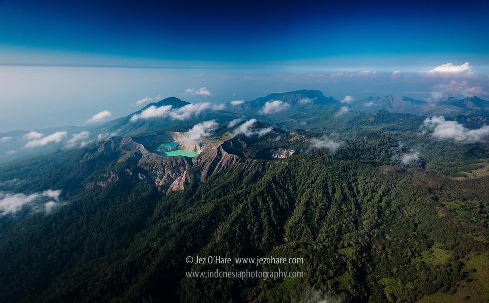 Kelimutu - 3 color lakes (danau tiga warna), Taman Nasional Kelimutu, Ende, Flores, Nusa Tenggara Timur, Indonesia