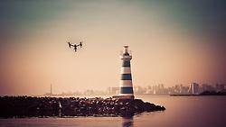 Drone Inspire 1, fabricado pela DJI sobrevoa o farol do clube Veleiros do Sul, em Porto Alegre-RS. FOTO: Emmanuel da Rosa / Agência Preview