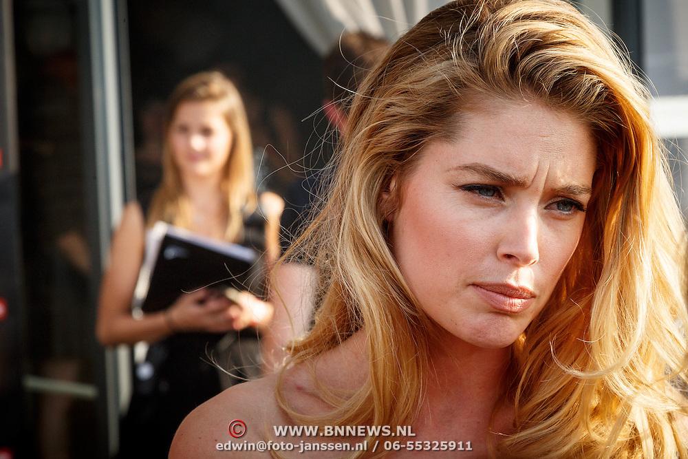 NLD/Amsterdam/20150626 - Dance4life's Funky Fundraiser 2015, Doutzen Kroes