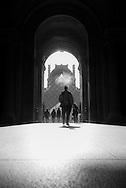 France. Paris. 1st district. Louvre museum.  the passage Richelieu and Louvre Pyramid   / La pyramide du musee du Louvre. / Architecte, PEY. to use the picture you have to contact the EPGL etablissement public du grand Louvre.