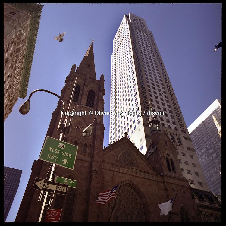 New York, 11.09.04. Manhattan. St-Patrick church. 5th Avenue.