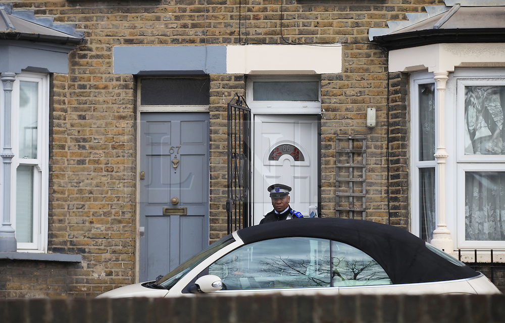 © Licensed to London News Pictures . 23/03/2014. London, UK. Police cordon Eastway, Hackney, after the murder of a 15-year-old girl yesterday (22/03/2014) Three people aged under 18 have been arrested in relation to the incident. Photo credit: Isabel Infantes /LNP