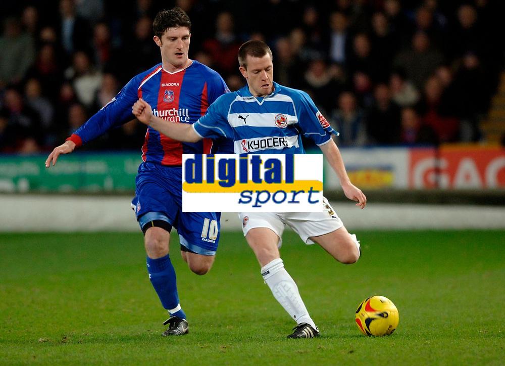 Photo: Daniel Hambury.<br />Crystal Palace v Reading. Coca Cola Championship.<br />20/01/2006.<br />Palace's Jon Macken and Reading's Nicky Shorey battle for the ball.