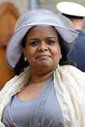 Prinsjesdag 2013 - Aankomst Parlementariërs bij de Ridderzaal op het Binnenhof.<br /> <br /> Op de foto: Gevolmachtigd minister van Curaçao Marvelyne Wiels