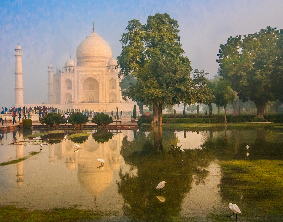 Photography: Color, Digital on Aluminium, Canvas, Forex or photographic paper.<br /> <br /> <br /> A morning at Taj Mahal, a picture that seems a paint!<br /> <br /> PRICE: 350,00 €<br /> Shipping included<br /> 7 day money-back guarantee<br /> <br /> <br /> <br /> Styles:<br /> <br /> Fine Art<br /> Minimalism