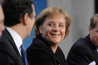 09 JAN 2007, BERLIN/GERMANY:<br /> Dr. Jose Manuel Barroso (L), Praesident der Europaeischen Kommission, und Angela Merkel (R), CDU, Bundeskanzlerin, waehrend einer Pressekonferenz, nach der gemeinsamen Kabinettsitzung des Bundeskabinetts und der Kommission der Europaeischen Kommission, Bundeskanzleramt<br /> IMAGE: 20070109-02-042<br /> KEYWORDS: Dr. José Manuel Barroso, freundlich, lacht, lachen