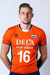 20150506 NED: Selectie Nederlands volleybal team mannen, Arnhem<br />Op Papendal werd het Nederlands team volleybal seizoen 2015-2016 gepresenteerd / Robin Overbeeke<br />©2015-FotoHoogendoorn.nl / Pim Waslander