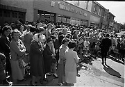 29/06/1965<br /> 06/29/1965<br /> 29 June 1965<br /> Opening of new H. Williams and Co. Ltd. Supermarket at Deansgrange, Dublin. Image shows a part of the crowd that gathered for the opening of the new shop.