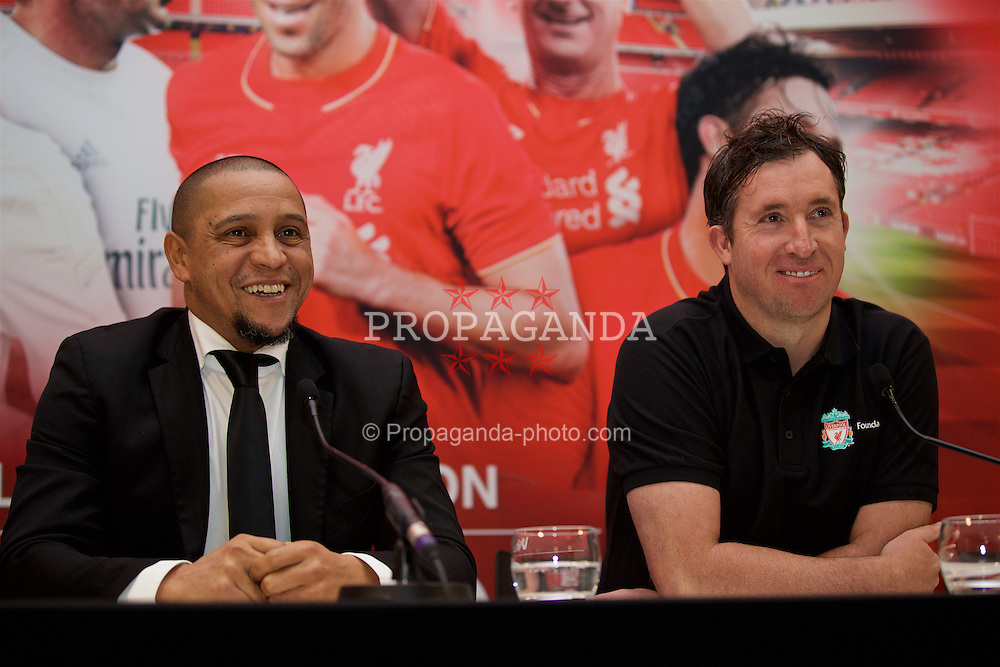 LIVERPOOL, ENGLAND - Monday, December 5, 2016: Roberto Carlos and Robbie Fowler attend a press conference as Liverpool FC Foundation announce a charity match between the Liverpool Legends and Real Madrid to be played at Anfield on Saturday March 25 2017. (Pic by David Rawcliffe/Propaganda)