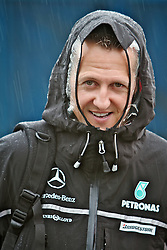 O piloto alemão Michael Schumacher ao chegar para o Grande Prémio do Brasil de Fórmula 1, em Interlagos, São Paulo. FOTO: Jefferson Bernardes/Preview.com