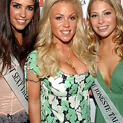 NLD/Amsterdam/20070515 - FHM verkiezing Meest Sexy vrouw van Nederland 2007, Mooiste Jong Talent winnares Sarah Chronis, Noorse zangeres Lena Alexandra en Yolanthe Cabau van Kasbergen