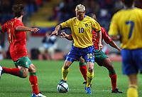 Fotball<br /> Treningskamp<br /> Portugal v Sverige<br /> 28. april 2004<br /> Foto: Digitalsport<br /> NORWAY ONLY<br /> <br />  MARCUS ALLBACK (SWE) / RUI JORGE (POR)