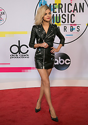 November 19, 2017 - Los Angeles, California, U.S - Selena Gomez on the Red Carpet of the 2017 American Music Awards held on Sunday, November 19, 2017 at the Microsoft Theatre in Los Angeles, California. (Credit Image: © Prensa Internacional via ZUMA Wire)