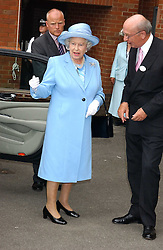 HM The QUEEN ELIZABETH 11 and the 12th DUKE OF DEVONSHIRE at the King George VI and The Queen Elizabeth Diamond Stakes sponsored by De Beers held at Newbury Racecourse, Berkshie on 23rd July 2005.<br />