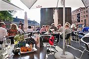 Nederland, Nijmegen, 27-5-2016 Terrassen in Nijmeegse binnenstad, marienburgplein bij filmhuis, arthouse, luxFOTO: FLIP FRANSSEN