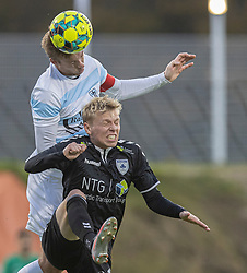 Jonas Henriksen (FC Helsingør) og Mikkel Jakobsen (Kolding IF) under kampen i 1. Division mellem FC Helsingør og Kolding IF den 24. oktober 2020 på Helsingør Stadion (Foto: Claus Birch).